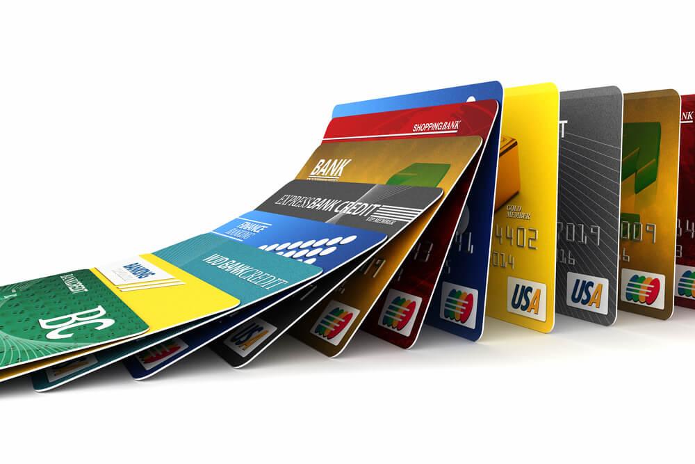 クレジットカードの作りすぎには注意