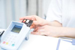 クレジットカードを使うときに目安になる機械