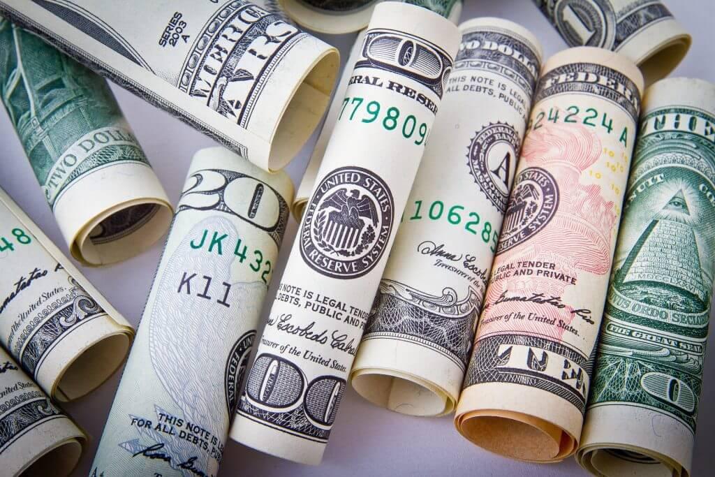 学生のクレジットカード申込時「年収」にはいくらと書くべき?