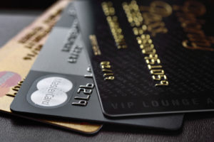 新社会人・新卒・内定者でも申込、入会(所有)可能なゴールドカード・ステータスカード