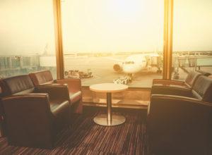 学生でも空港ラウンジサービスが無料で利用可能なクレジットカードはある!航空券の乗り継ぎ便でも大活躍!