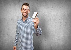 学生でも空港ラウンジを無料で利用できるクレジットカード