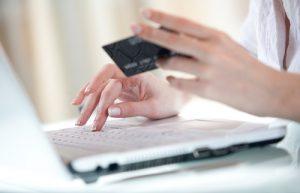 クレジットカードの支払い遅延でブラックリスト入りしたか確認する方法