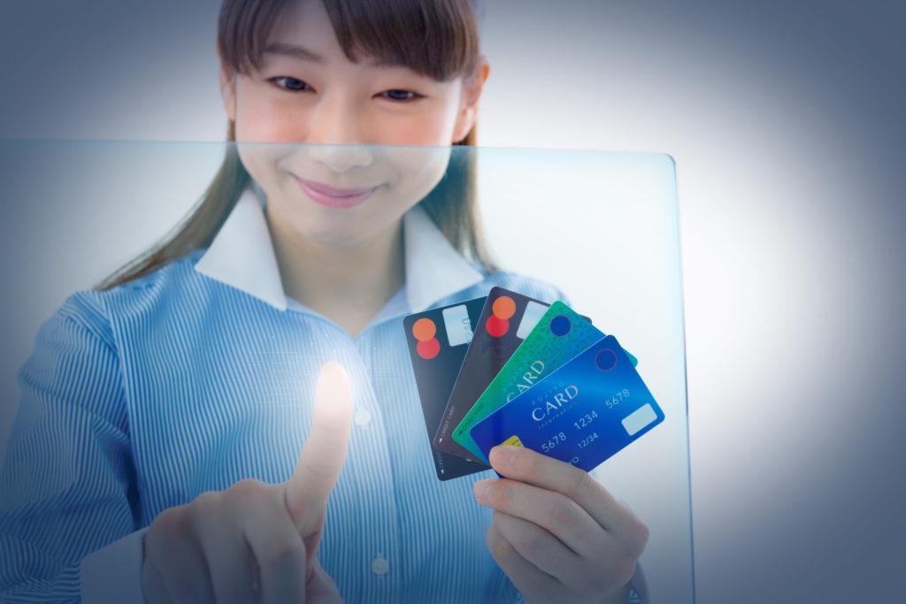 クレジットカードの作成方法・発行場所:どこで作れるのか?街中や店頭の勧誘は怪しい?多くの人はネットで申し込みをしています!