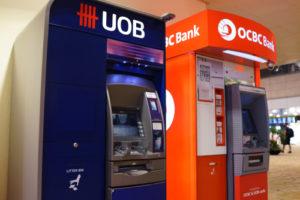 デビットカード海外ATMでの預金引き出し