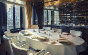 高級レストランで食事をしたい