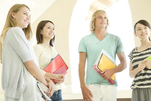 語学留学に行く